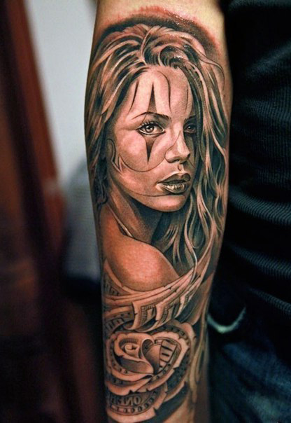 bucks-rose-girl-chicano-tattoo