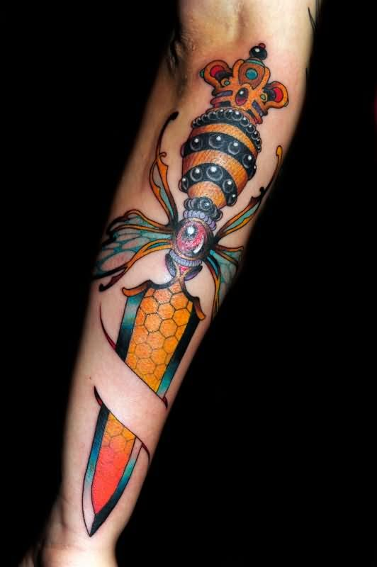 awesome-color-ink-dagger-tattoo-on-sleeve