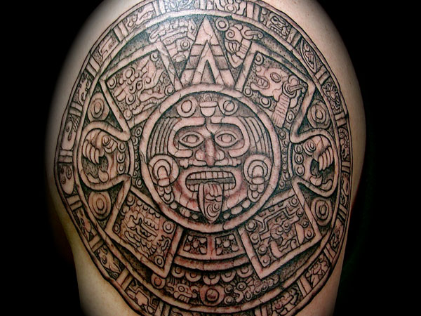 mayan-shoulder-calender-tattoo